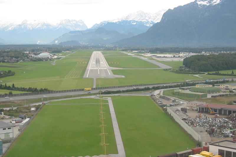 Salzburg runway approach